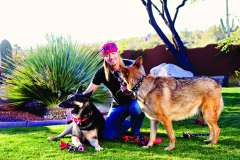 Bret Michaels and his two dogs